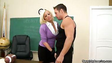 سكس الورا جونسون المعلمة تعاقب الطالب - سكس عربدة