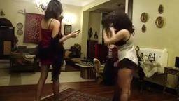 رقص جديد جدا لاؤل مره مجموعه شراميط فى بيت دعارة مافيش زبون قالوا يسلو